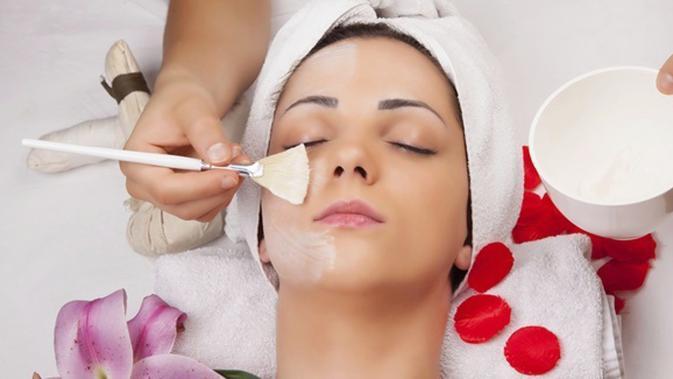 Cara Mudah Mengatasi Jerawat Dengan Scrub Gula Dan Garam Beauty Fimela Com
