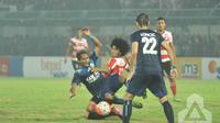 Maulana bukan satu-satunya pemain MU yang merapat ke Sriwijaya karena bek sayap Gilang Ginarsa datang dalam latihan perdana tim. (PT GTS)