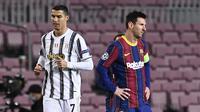 Striker Barcelona, Lionel Messi dan striker Juventus, Cristiano Ronaldo, pada laga Liga Champions di Stadion Camp Nou, Rabu (9/12/2020). Laga tersebut menjadi ajang reuni dua mega bintang yakni Messi dan Ronaldo. (AFP/Josep Lago)