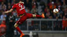 Robert Lewandowski mencetak 5 gol dalam 9 menit saja saat membawa Bayern Munchen menang 5-1 atas Wolfsburg di Bundesliga, Selasa (22/9/2015).