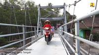 Pemerintah membangun 134 jembatan gantung. (Foto: Kementerian PUPR)