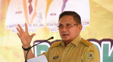 Wali kota Gorontalo, Marten Taha siap untuk di vaksin lebih dulu (Arfandi Ibrahim/Liputan6.com)