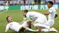 Para pemain timnas Inggris merayakan gol ke gawang Kroasia pada babak pertama semifinal Piala Dunia 2018, Kamis (12/7/2018).  (AP Photo/Alastair Grant)