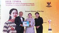 Menko PMK Puan Maharani dianugerahi penghargaan tertinggi dari Majalah Her Times. (Dok Kementerian Koordinator Bidang Pembangunan Manusia dan Kebudayaan)