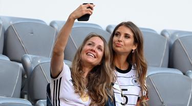 Gaya Pacar dan Istri Pemain Jerman di Euro 2020
