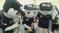 Pernak-pernik Turn Back Crime laris manis diburu masyarakat di Jakarta Metropolitan Police Expo' (Liputan6.com/Audrey Santoso)