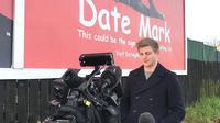 Lelaki Inggris, Mark Rofe, sengaja membuat papan iklan untuk mencari pacar. Keberhasilannya diikuti orang lain di Inggris (Dok.Instagram/@iamrofe/https://www.instagram.com/p/B8ie_c5hQ4z/Komarudin)