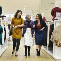 """Feminine is In"" Kampanye terbaru Uniqlo sambut koleksi Fall/Winter 2019"
