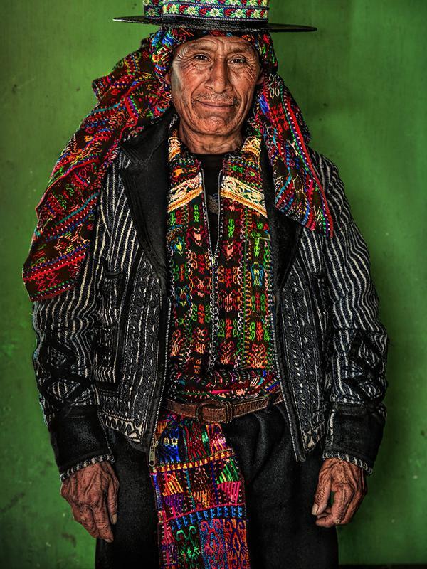 Suku pedalaman (Sumber: borendpanda)