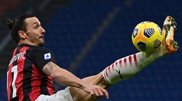FOTO: Menang Telak 4-0 atas Crotone, AC Milan Rebut Kembali Posisi Puncak dari Inter Milan