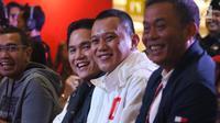 Ketua Tim Kampanye Nasional (TKN), Erick Thohir pada peluncuran suvenir pasangan Calon Presiden dan Wakil Presiden, Jokowi-Ma'ruf Amin di Jakarta Pusat, Jumat (25/1). Suvenir Paslon 01 yang dijual mulai dari pakaian hingga helm (Liputan6.com/Angga Yuniar)