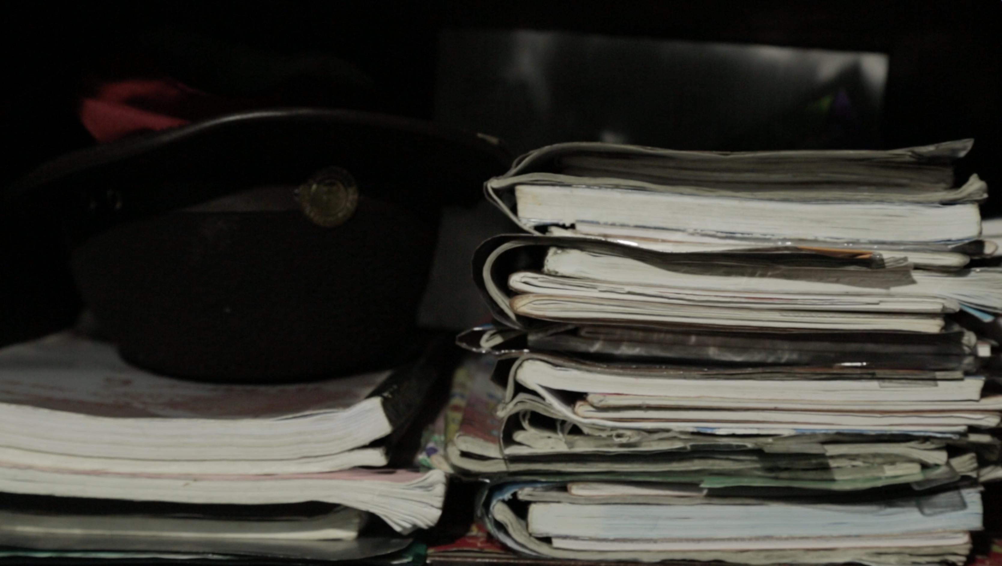 Sejumlah Buku Pelajaran yang Dibawa Anak SD (Liputan6.com/Mochamad Khadafi)
