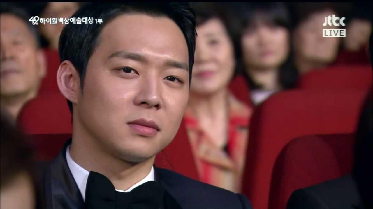 Park Yoochun saat menghadiri Baeksang Arts Awards ke-51. Foto: Youtube