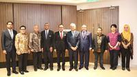 Di sela-sela kunjungan kerja ke Kuala Lumpur Menteri Ketenagakerjaan RI, M Hanif Dhakiri mendapatkan kepastian dari Jaksa Agung Malaysia, Tommy Thomas terkait peningkatan perlindungan jaminan sosial bagi pekerja migran Indonesia.