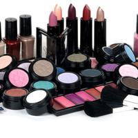 Ilustrasi berbagai macam kosmetik. (via: myeva.vn)
