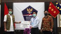 Donasi Alat Pelindung Diri dan Masker untuk Tenaga Medis. foto: dok. Daikin