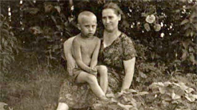 Vladimir Putin kecil.
