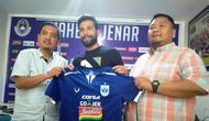 PSIS Semarang merekrut striker Timnas Lebanon, Abou Bakr Al Mel. (Bola.com/Ronald Seger)
