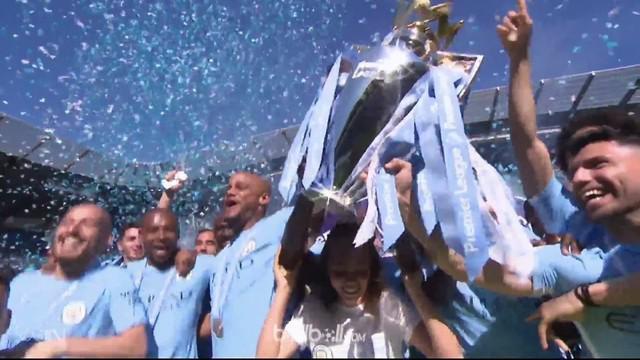 Pesta perayaan gelar juara Liga Inggris Manchester City sedikit ternoda usai The Citizen gagal mengalahkan tamunya Huddersfield To...