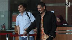 Direktur Utama PT INTI Darman Mappangara usai menjalani pemeriksaan oleh penyidik di Gedung KPK, Jakarta, Jumat (30/8/2019).  Darman diperiksa terkait dugaan menerima suap proyek pengadaan baggage handling system (BHS) atau sistem penanganan bandara untuk 6 bandara. (merdeka.com/Dwi Narwoko)