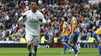 Cristiano Ronaldo mencetak gol pertama untuk Madrid (Reuters)