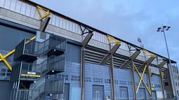 Rat Verlegh Stadion. Berkunjung ke stadion Rat Verlegh, kandang NAC Breda pada Minggu (17/1/2021) tatkala NAC bersiap tandang ke Jong PSV di Eerste Divisie. Sama sekali tidak ada aktivitas ditemui di sana. (Bola.com/Tito Sianipar)