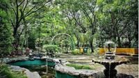 Taman kota Bekasi. foto: Instagram @tukangfotoin