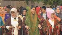 Berikut cantiknya Selvi Ananda saat menari manortor di acara adat pernikahan Kahiyang Ayu dan Bobby Nasution. (Foto: Dokumen istimewa)