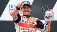 Marc Marquez kembali menjadi juara pada balapan MotoGP Jerman 2021 atau setelah tanpa gelar selama 581 hari. (AFP/Ronny Hartmann)