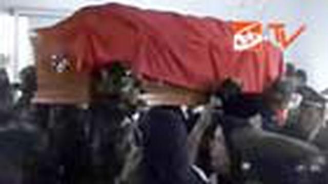 Jenazah Brigjen Purnawirawan Herman Sarens Sudiro dimakamkan di tempat pemakaman keluarga Tanjungsyukur, Desa Sukamukti, Banjar, Jabar, tadi sore.