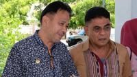 Bupati Lembata Elyazer Yentji Sunur bersama Andreas Hugo Pareira (AHP) Anggota DPR RI Dapil NTT-1. (Foto Istimewah)