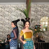 Ferry Sunarto melakukan riset soal selera orang Rusia untuk hadirkan fashion terbaik di Festival Indonesia (Foto: Ferry Sunarto)