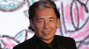 Pencang busana ikonik Jepang-Perancis, Kenzo Takada. (AP)
