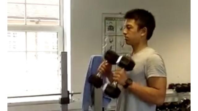 Sebagai pebalap Formula, Rio Haryanto dituntut memiliki kondisi fisik yang baik. Berikut video latihan fisik Rio Haryanto sebagai pebalab Formula.