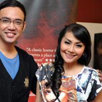 Tessa Kaunang bersama Sandy Tumiwa, sempat menjadi family goals bagi para penggemarnya. (Liputan6.com)