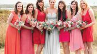 Pembantu pengantin biasanya bertugas membantu pengantin dalam melangsungkan acara pernikahan.