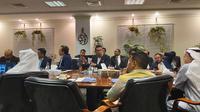 Gubernur Jawa Barat Ridwan Kamil terus menindaklanjuti minat investasi dari para pengusaha di Uni Emirat Arab (UEA).