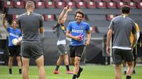 Pelatih Inter Milan Antonio Conte saat sesi latihan di Cologne, Jerman, Kamis (20/8/2020). Inter Milan akan menghadapi Sevilla di final Liga Europa. (AP Photo/Ina Fassbender, Pool)