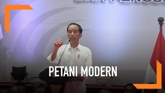 Dalam kunjungan kerjanya ke Sragen, Presiden Jokowi meminta petani melek teknologi untuk menghadapi dunia modern.