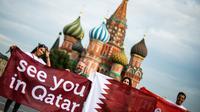 Pemerintah Qatar tetap menyediakan minuman beralkohol dan memperbolehkan suporter yang merupakan kaum LGBT untuk menyaksikan Piala Dunia 2022. (AFP/Jamel Samad)