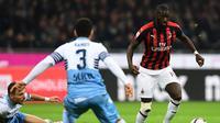 Pemain AC Milan, Tiemoue Bakayoko (kanan). (AFP/Migul Medina)