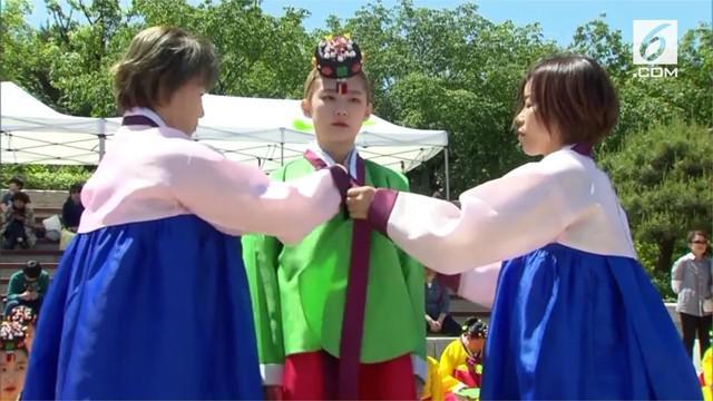 Korea Selatan merayakan hari kedewasaan ke-46. Perayaan untuk remaja yang berusia 19 tahun karena memasuki  masa dewasa.