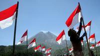 Walau diguyur hujan Upacara Kemerdekaan HUT RI ke 69 di Manokwari Papua tetap berjalan.