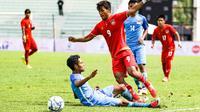 Penyerang Myanmar, Aung Thu, berpeluang menghadirkan mimpi buruk untuk timnas Indonesia U-22 pada perebutan medali perunggu SEA Games, Selasa (29/8/2017). (dok. kualalumpur2017)