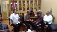 Seorang siswa pelajar kelas XI di salah satu sekolah swasta di Bandung, berinisial TLK (16), terpaksa berurusan dengan polisi di hari pertama masuk sekolah. (Liputan6.com/Aditya Prakasa)