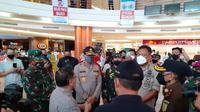 Gubernur Sulut bersama jajaran Forkopimda, Kamis (25/6/2020),mengecek kondisi pusat perbelanjaan di Manado menjelang diberlakukannya era new normal.