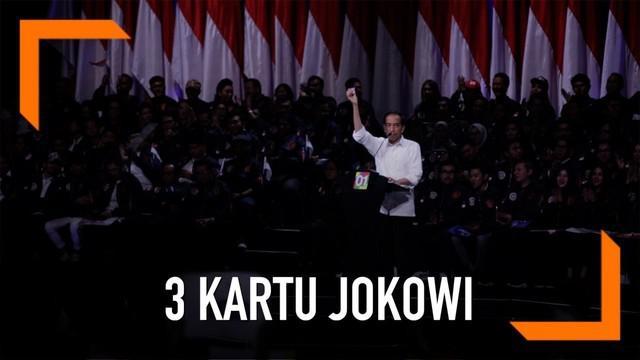 Calon Presiden Joko Widodo memamerkan 3 kartu baru yang akan diluncurkannya di pemerintahan mendatang.