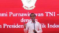 Capres No urut 01 Joko Widodo memberi sambutan pada deklarasi 1000 Purnawirawan TNI-Polri dukung Jokowi-Ma'ruf Amin di Kemayoran, Jakarta, Minggu (10/2). (Liputan6.com/Angga Yuniar)