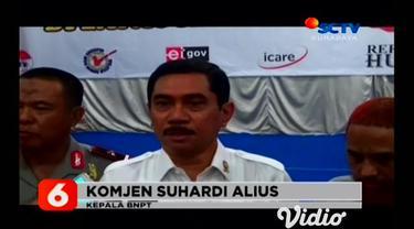 Terpidana kasus terorisme dalam serangan bom Bali 2002, Umar Patek, diusulkan bakal memperoleh pembebasan bersyarat. Selain itu, istri dari Umar Patek yang semula berkewarganegaraan Filipina pun telah disetujui menjadi Warga Negara Indonesia (WNI).
