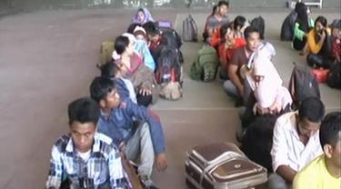 20150728-TKI Ilegal-Surabaya